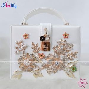 Túi Dior hộp hoa trắng
